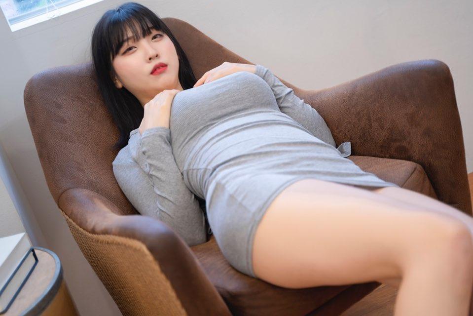 童颜巨乳直播主「송하나」丰沛乳量根本真人乳牛 核弹级「水滴型乳」青筋炸裂