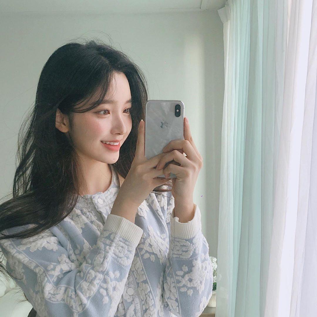 天使级别的脸孔!韩国人气正妹「김나희」男女都爱她,空灵仙女感超治愈人心!