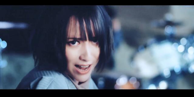蓝井艾露单曲「鼓动」完整版MV公开