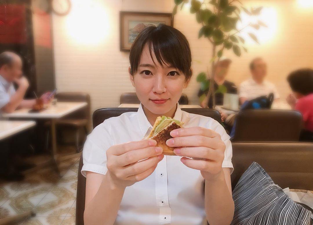 清纯D奶女神「吉冈里帆」比基尼山中野营 漂亮脸蛋加上完美曲线让人瞬间沦陷