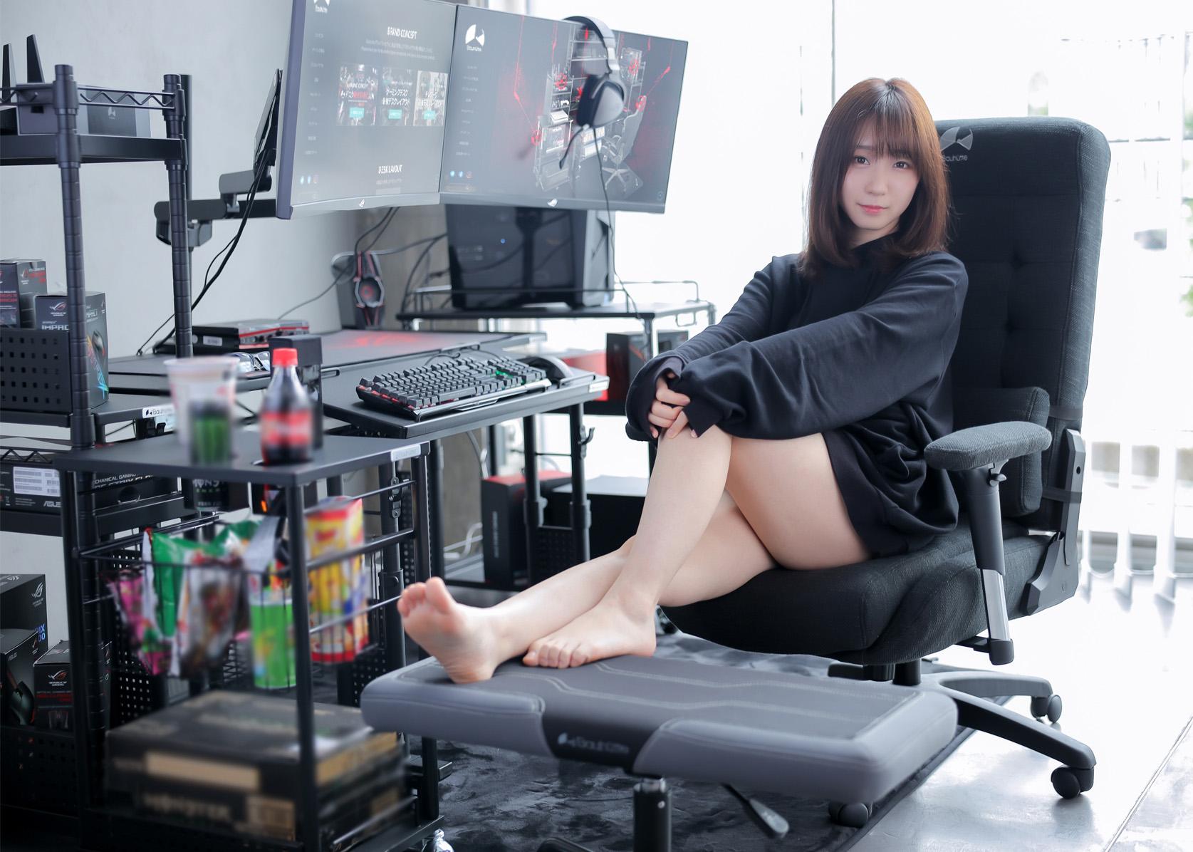 最幸福的屁股《伊织萌代言电竞沙发椅》玩游戏真的就该对自己好一点