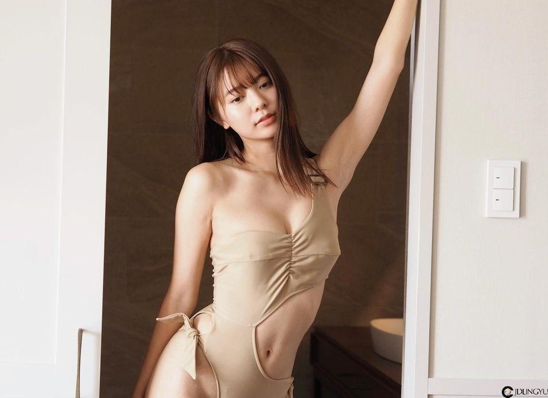 9头身美少女「川津明日香」面容精致笑容甜美 秾纤合度「完美体态」健美又性感